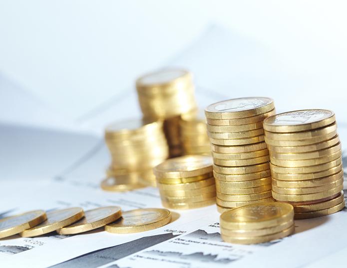 Münzen aufgetürmt Euro Geld